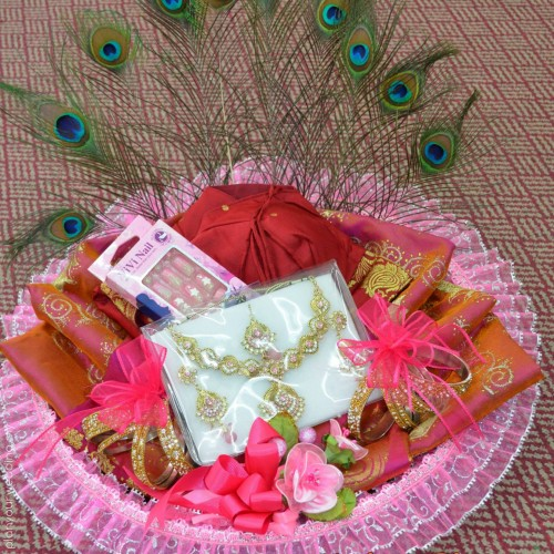 Indian Wedding Gift Traditions: PlanYourWedding: Your Wedding Ideas And Inspiration