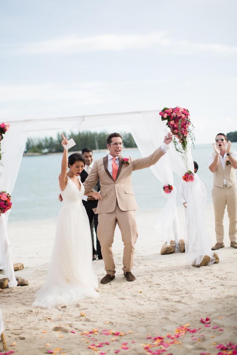 Beach Theme Wedding Photo Albums : The danna langkawi beach wedding